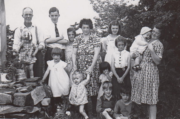 Famille de Médard Bourgault, années 40